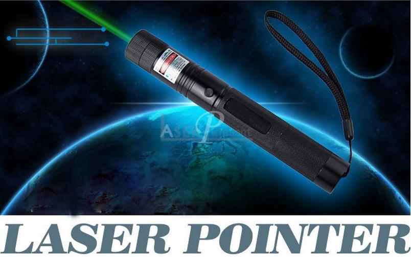 Laser 10000mw vert pointeur laser 10000mw surpuissant chez for Pointeur laser vert mw