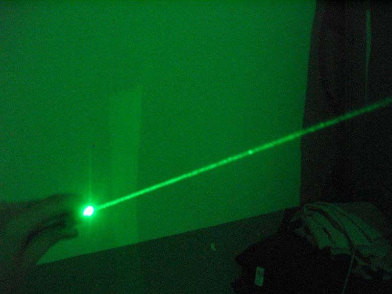 pointeur laser vert 50mw au meilleur prix. Black Bedroom Furniture Sets. Home Design Ideas